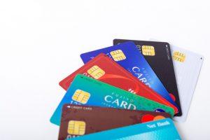 クレジットカードの有効期限は?カード更新時の手続きは必要?