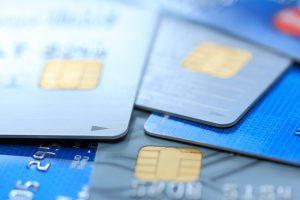 クレジットカードのマイルとポイントの違いは?どちらがお得?