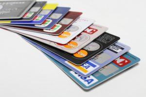 初めてクレジットカードを作る際の選び方・注意点は?
