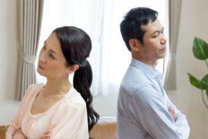 慰謝料とは?不倫の慰謝料の相場は?離婚する・離婚しない場合の平均金額