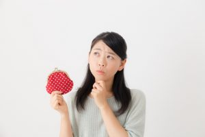 日本国内の電気料金の平均金額は?世帯人数によって異なる?