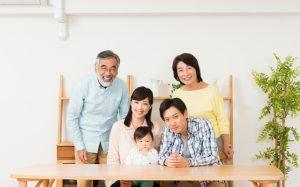 一般家庭の世帯人数ごとの電気代の平均金額は?