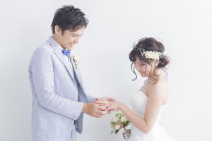 結婚指輪とは?結婚指輪を身に付ける意味は?