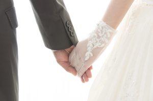 挙式と結婚披露宴の違いは?